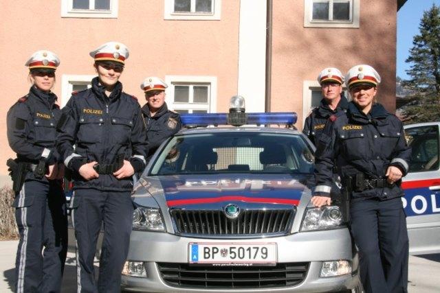 Polizisten kennenlernen aus strasswalchen Kirchbichl