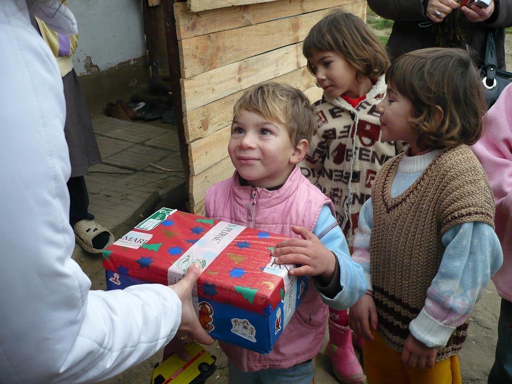 Weihnachten Im Schuhkarton Org.Aktion Weihnachten Im Schuhkarton Geht In Die Schlussphase Reutte