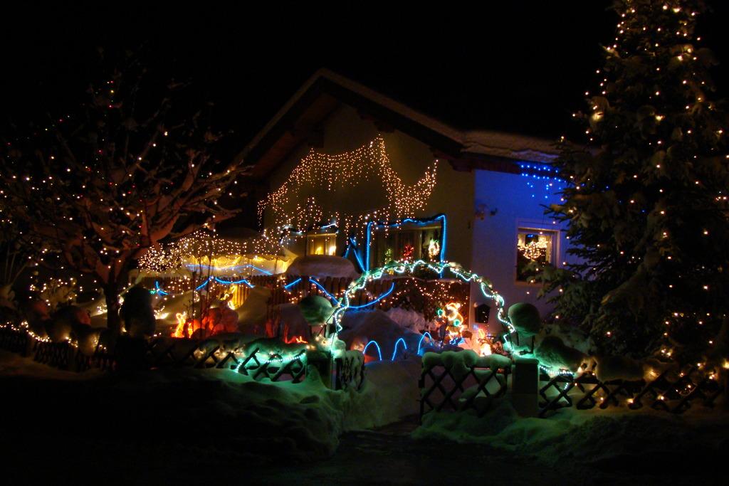 Haus Weihnachtsbeleuchtung.Ein Haus Wie In Hollywood Zu Weihnachten Darfs Ruhig Auch