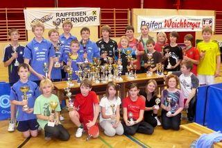 Die Oberndorfer sammelten Pokale am Fließband.