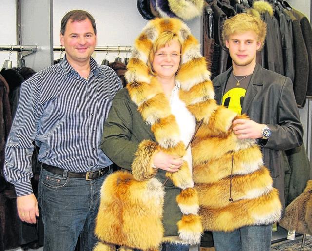 Die Kürschner-Familie mit dem Sieger-Stück: Peter, Birgit und Sohn Philipp