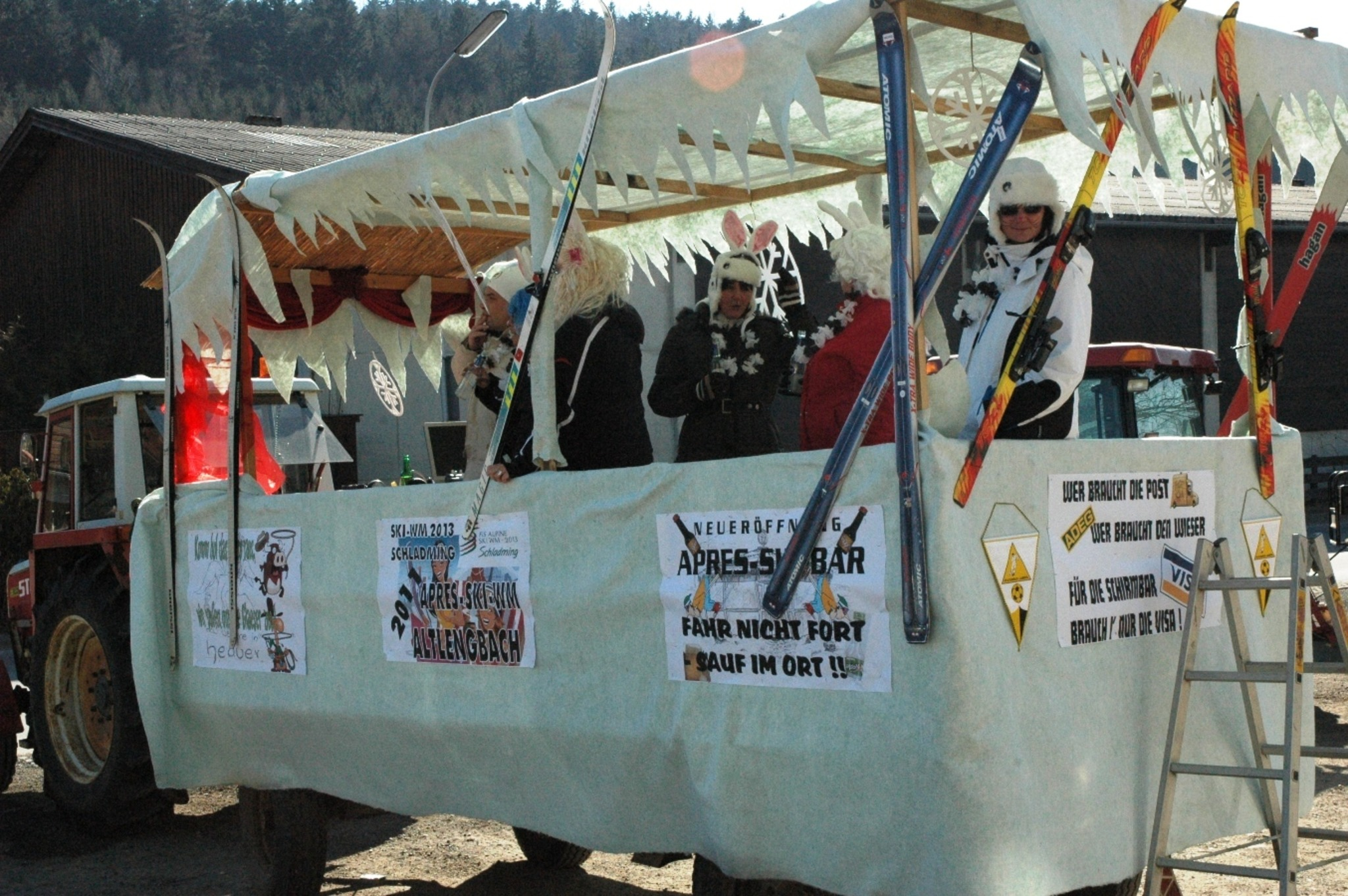Bilder Vom Faschingsumzug 2011 In Altlengbach Wienerwald