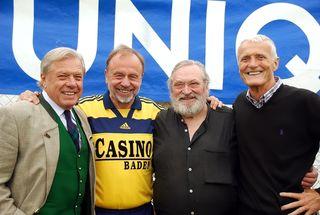 Hans Buzek, Ernst Scheiber, Franz Fehringer und Willi Kaipel freuen sich über den Benefiz-Kick.