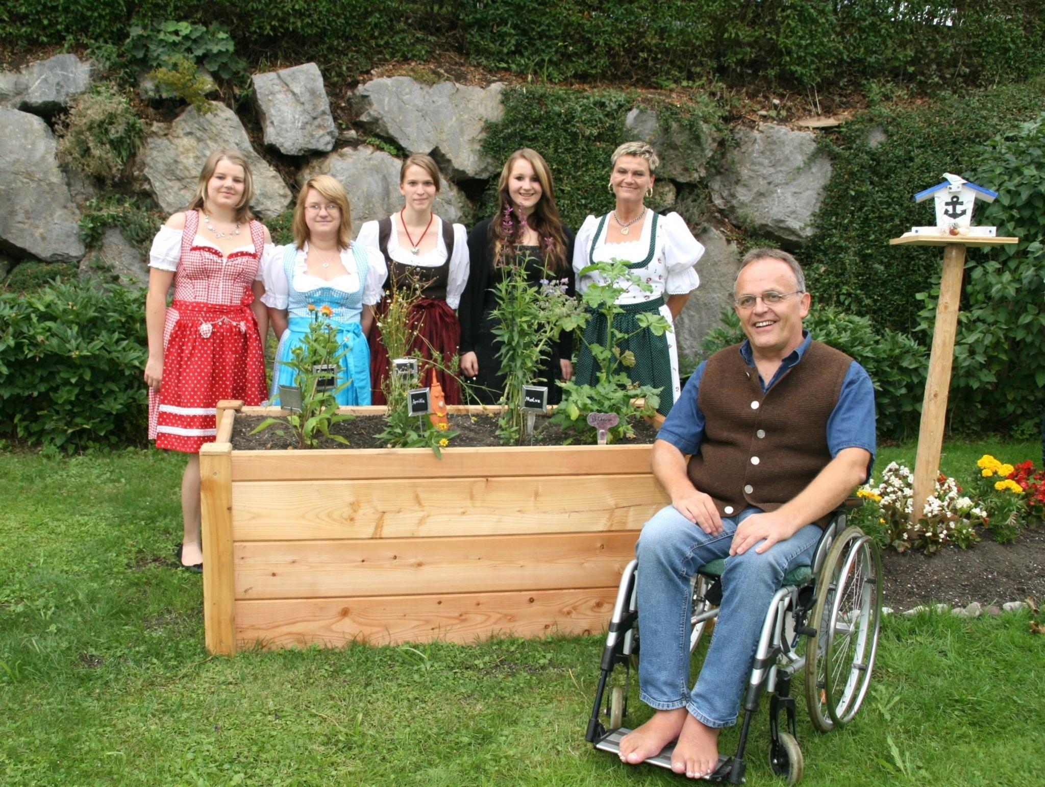 bergabe eines Krutergartens an das Wohnheim Kirchbichl