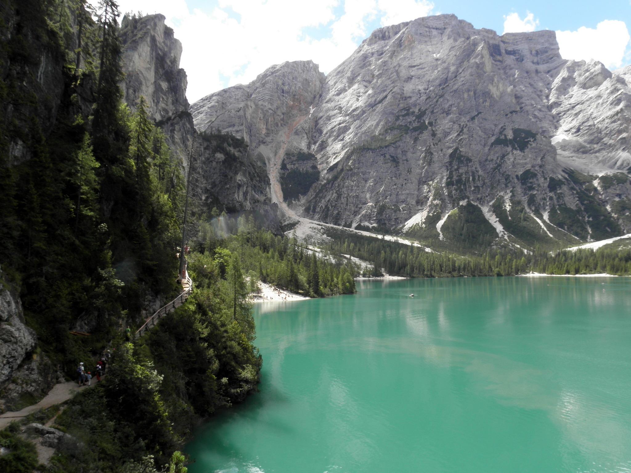 Tagesfahrt zum Pragser Wildsee in den Südtiroler Dolomiten