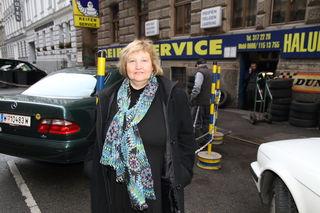 Zieht ihre Linie durch: Bezirkschefin Martina Malyar sind die verschenkten Parkplätze in der Grünentorgasse ein Dorn im Auge