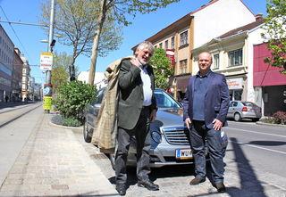 Willy Duschka und Herbert Anreitter von der Grünen Alternative Simmering.