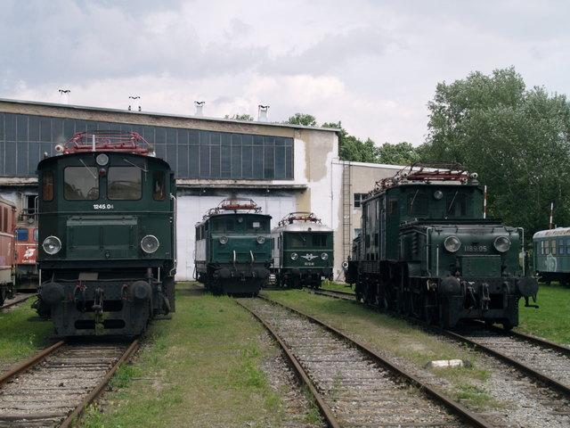 Oldtimerparade - in Strasshof an der Nordbahn