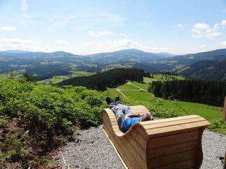 Eine herrliche Aussicht in der Panoramaliege