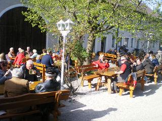 Die Mostschenke Edelbauer in Pasching bietet nicht nur Ruhe im Grünen, sondern auch selbst gemachte Schmankerl.