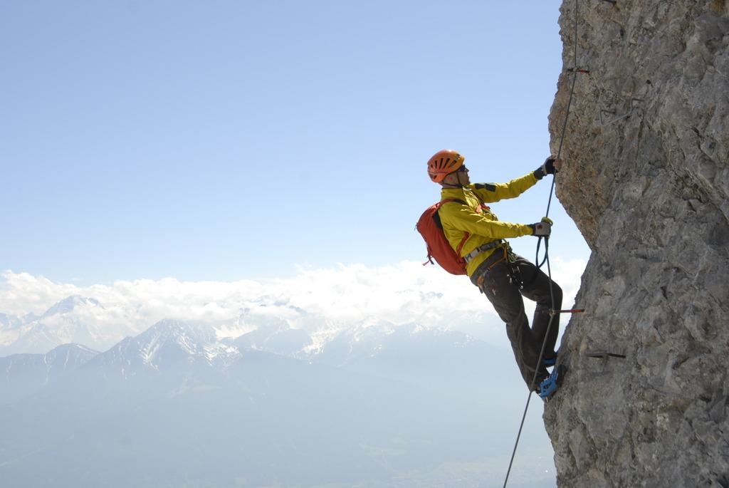 Klettersteigset Xxl Sport : Gefährlicher mangel bei klettersteigsets entdeckt landeck