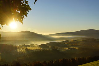 Strahlend schöner Herbst morgen übers obere Feistritztal