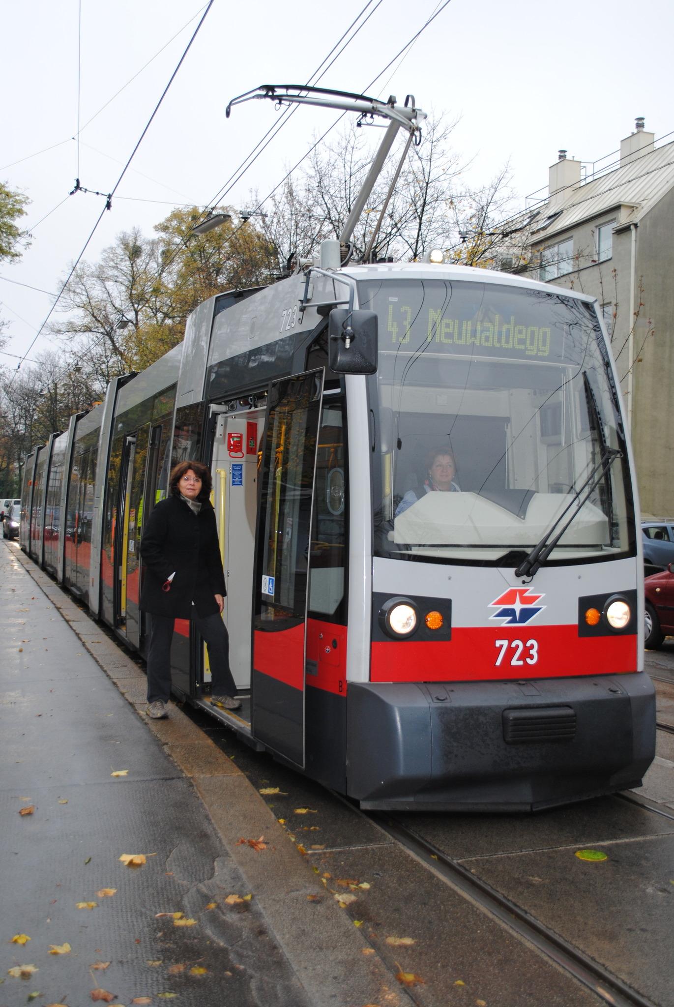 öffikaiser Im Bezirk Linie 43 Hernals
