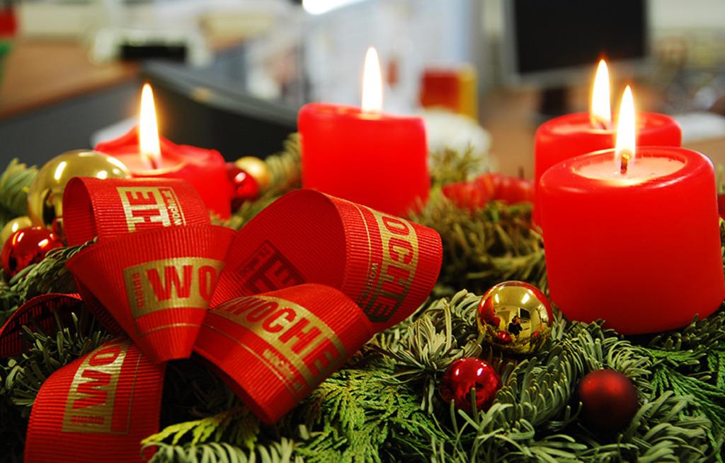 Wir Wünschen Euch Frohe Weihnachten Und Einen Guten Rutsch.Frohe Weihnachten Bruck An Der Mur
