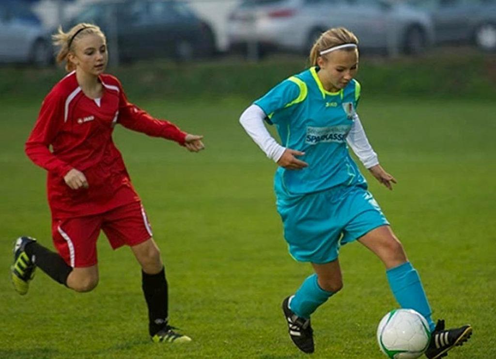 Auch Madchen Konnen Fussball Spielen Leibnitz