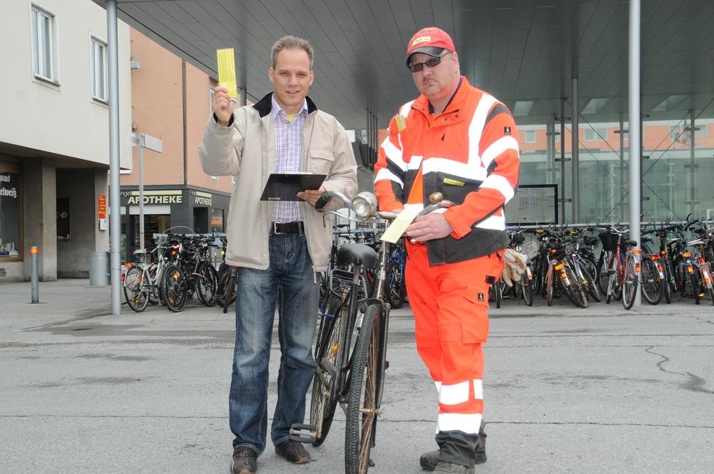 Gelbe Karte Lustig.Gelbe Karte Für Alte Fahrräder Villach