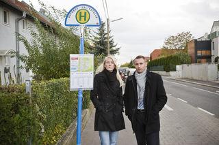 Pia-Maria Gattinger und Michael Schneider benutzen den 88B täglich für die Fahrt zur Arbeit und retour.