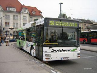 Der 260er bleibt als wichtige Schnellbusverbindung zwischen Mödling und Kennedybrücke erhalten