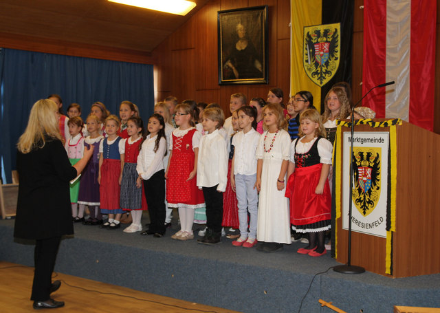 Ternberg wo frauen kennenlernen - Theresienfeld frau aus