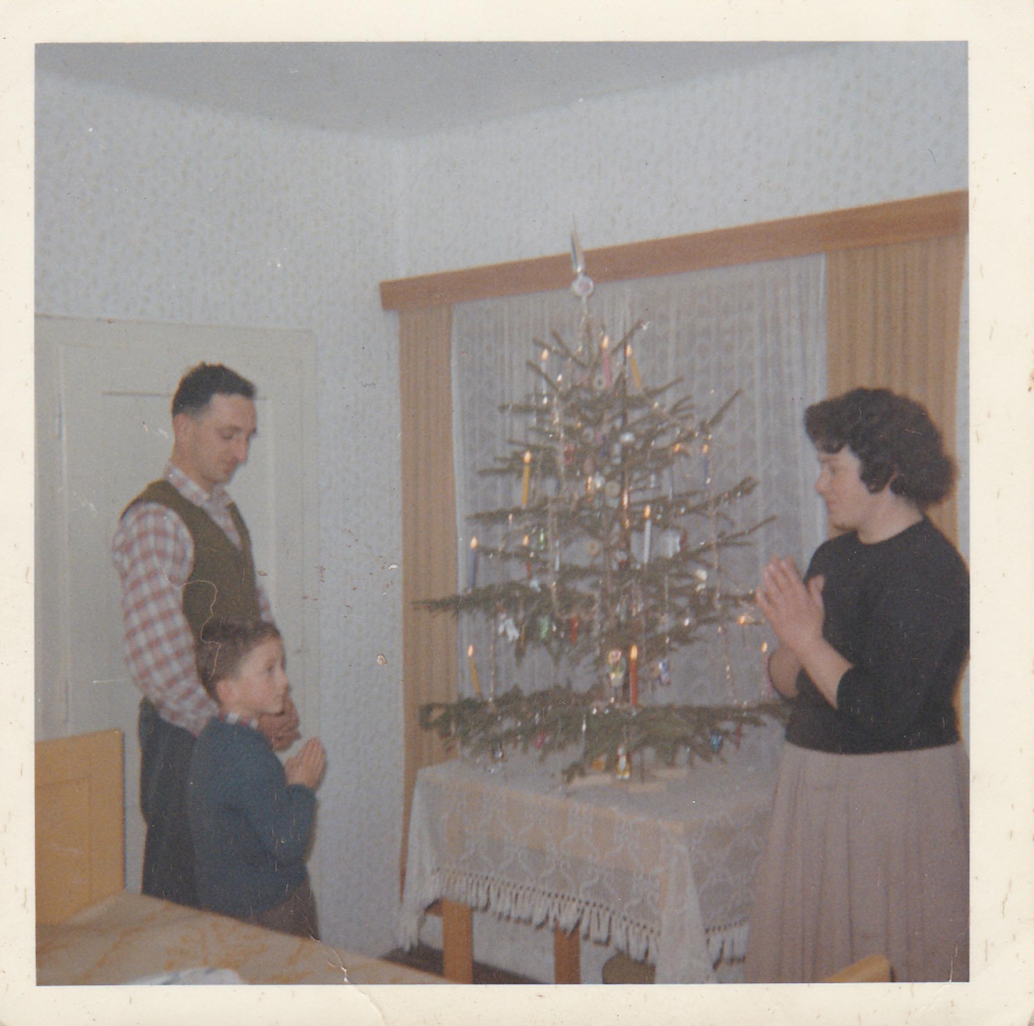weihnachten wie es fr her einmal war v lkermarkt. Black Bedroom Furniture Sets. Home Design Ideas