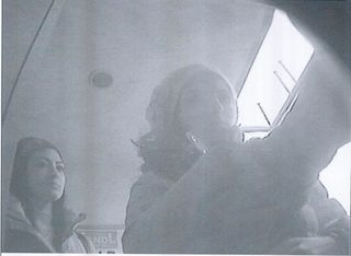 Die Taschendiebinnen wurden bei der Geldbehebung fotografiert.