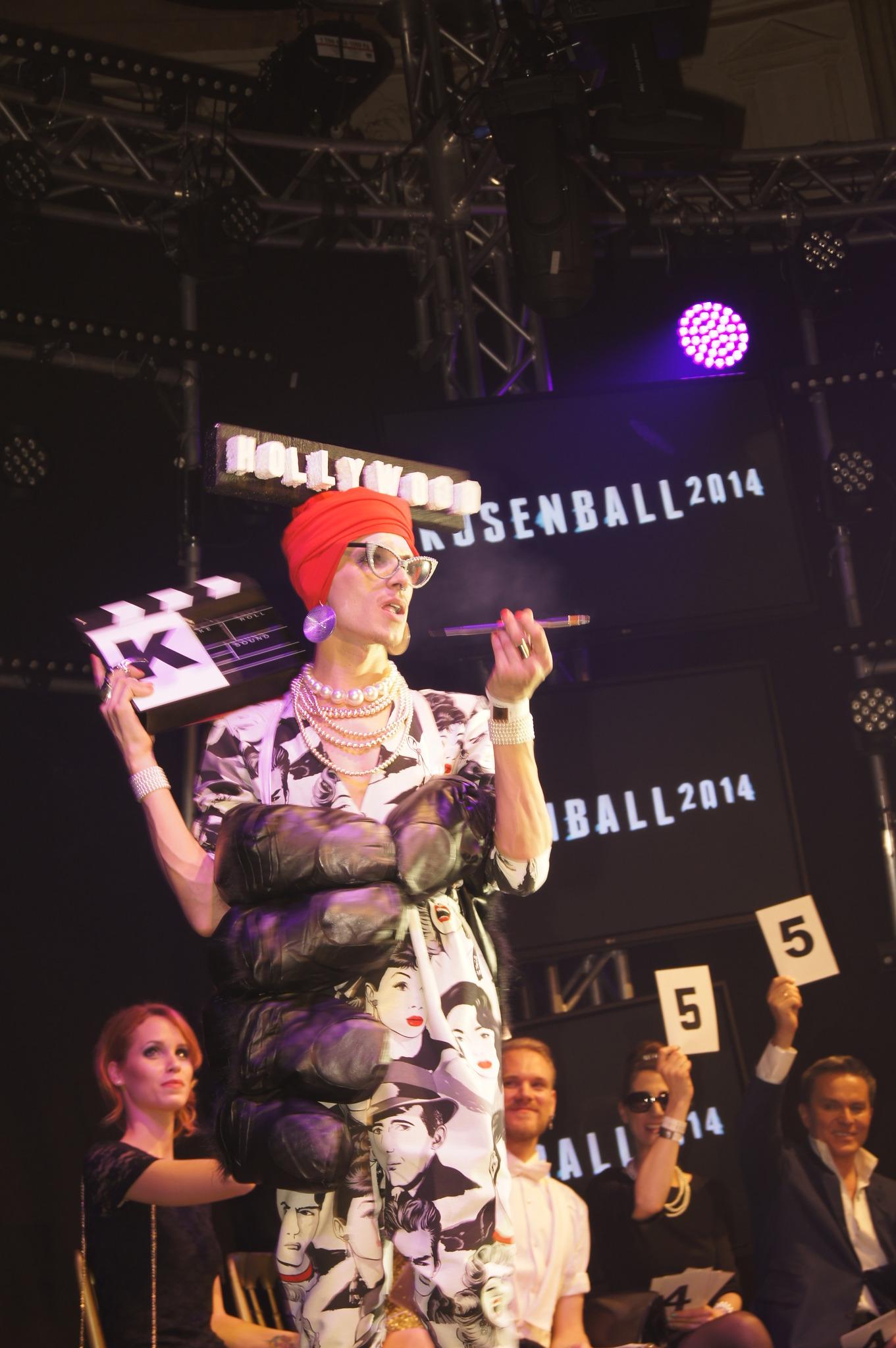 Schrille Ballnacht im Palais Auersperg beim Rosenball 2014 Josefstadt