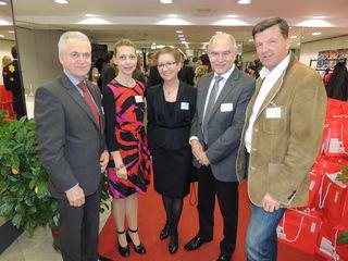 Bgm. Helmut Leitenberger freute sich gemeinsam mit Constanze Schaffner, LLE-Obfrau Brigitta Kada, Stadtrat Pauli und TV-Obmann Karlheinz Hödl.