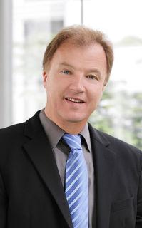 """W.E.B-Vorstandsvorsitzender Andreas Dangl und sein Unternehmen investieren nach dem Windkraft-Stopp in Deutschland. """"Das Waldviertel wurde wieder einmal stiefmütterlich behandelt"""", teilte das Unternehmen mit."""