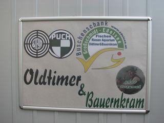 Oldtimer & Bauernkram hat Franz Großschmidt zusammengetragen und präsentiert nun beides allen an alten Sachen interessiertem Besuchern