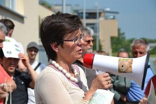 Dr. Madeleine Petrovic mit starker Stimme für den Artenschutz bei der Zieselwanderung der IGL-Marchfeldkanal im letzten Jahr.