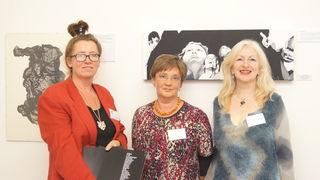 Kerstin Eberhard mit Ulrike Schuster und Anna Adam