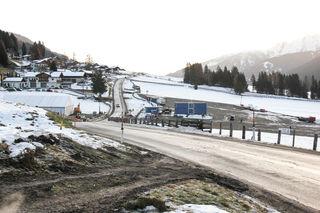 Mehrere große Flächen rund um Obertilliach wurden für die Ankunft des Bond-Filmteams vorbereitet.