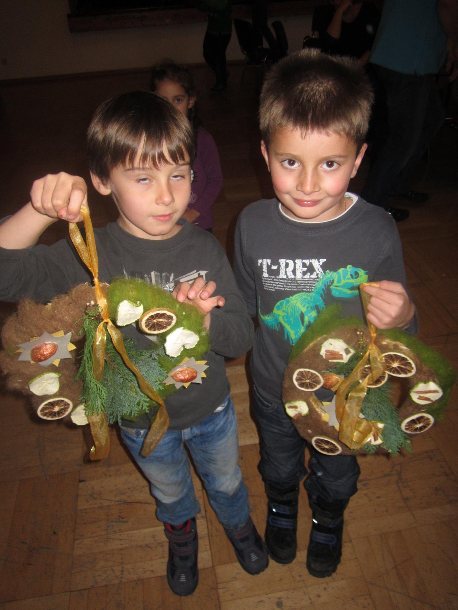 Kinder basteln Weihnachtsgeschenke - Imst
