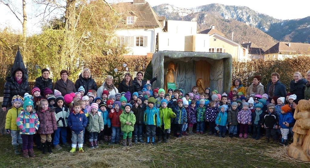 Kindergarten Weihnachten.Kindergarten Molln Wünscht Frohe Weihnachten Kirchdorf