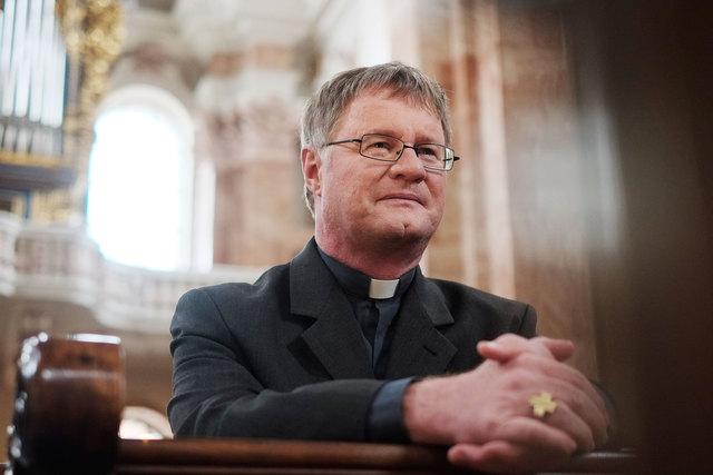 """Bischof Scheuer lädt zur Gebetsaktion """"24 Stunden für Gott"""" ein."""
