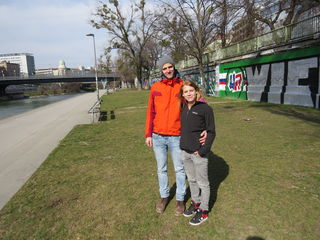 Anrainer Andreas Verdorfer und Katharina Litschauer sehen im neuen Beach-Club eine Belebung des Donaukanals.