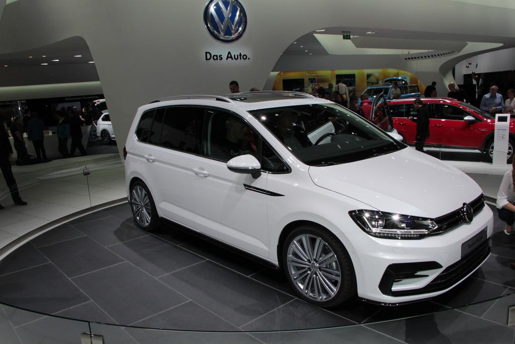 Neuheiten Vom Auto Salon In Genf Ideen Für Viel Stauraum Im Auto