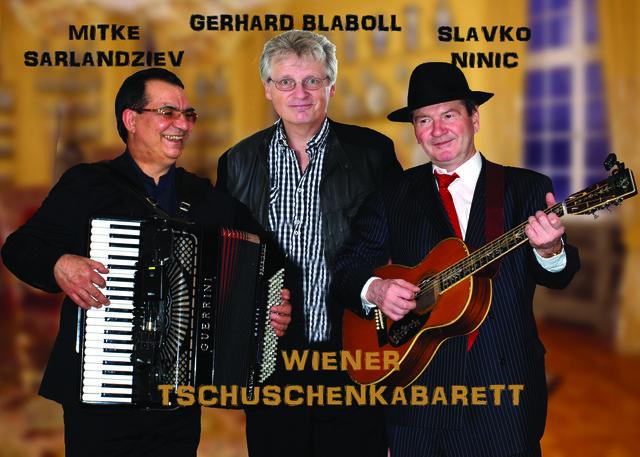 Mitke Sarlandziev, der Wiener Stadtpoet Gerhard Blaboll und Slavko Ninic von der Wiener Tschuschenkapelle