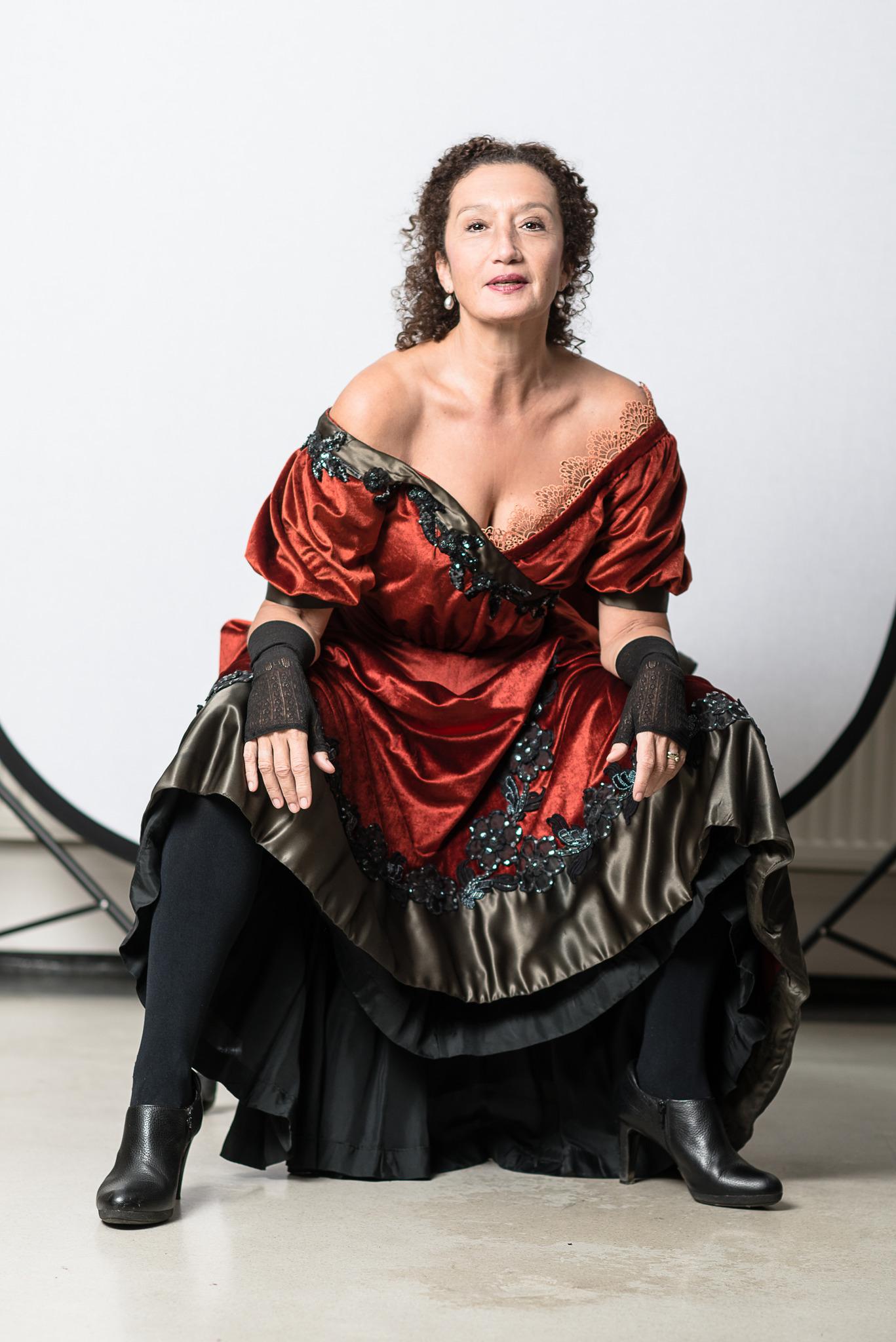 Konstanze Breitebner als Madame Johann Strauß - Die