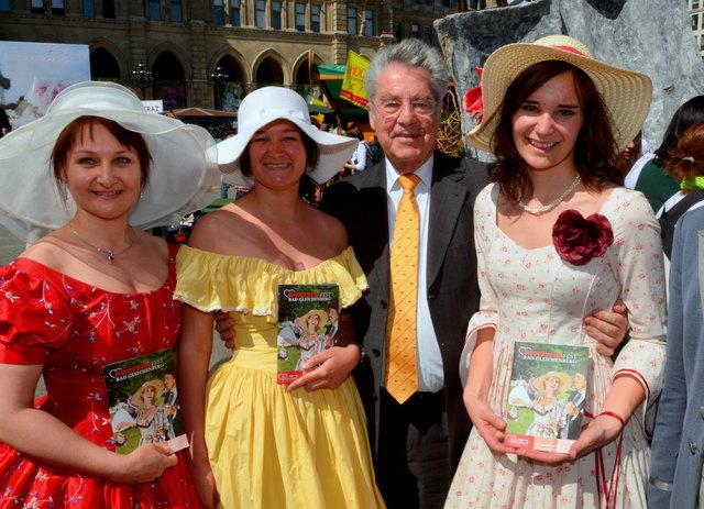 Bundespräsident Heinz Fischer mit Steiermark - Vertreterinnen