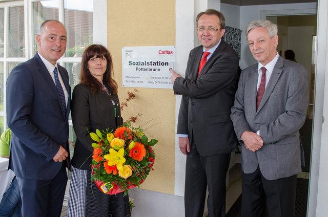 Pottenbrunn mann sucht frau Riedau kostenlos partnersuche