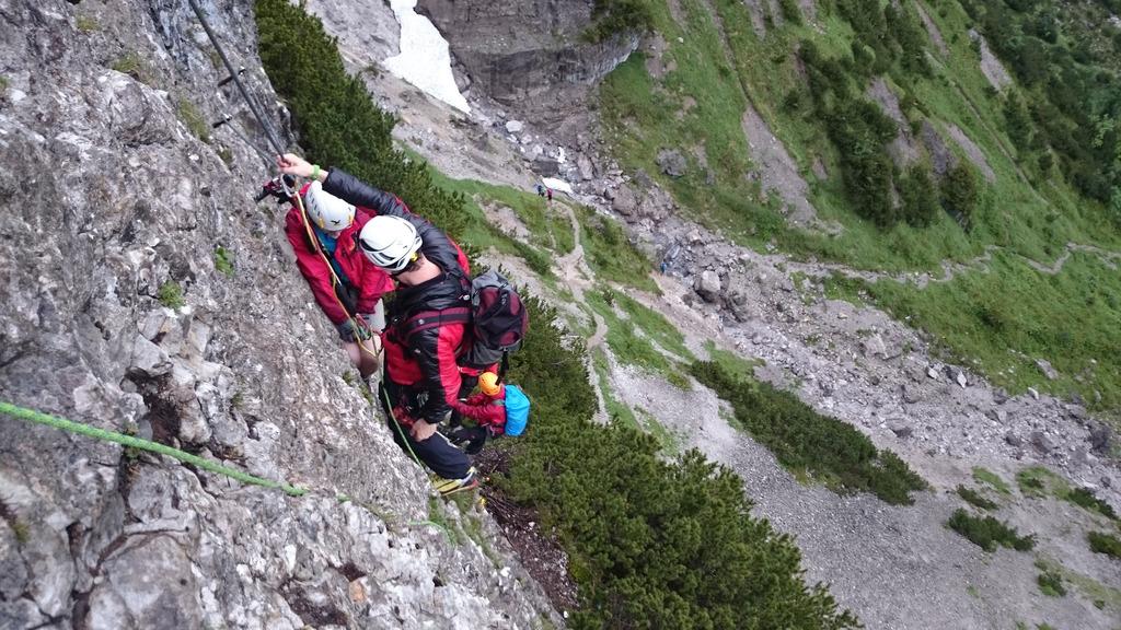 Klettersteig Klamml : Zwei frauen aus klettersteig geborgen kufstein