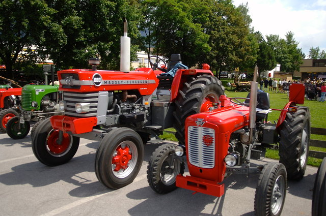 Oldtimer Traktortreffen in Natters - Westliches Mittelgebirge