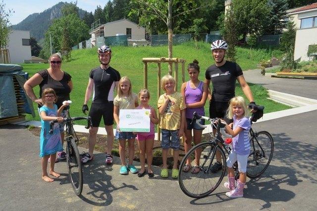 TEAM SOS Kinderdorf Eine Runde mit dem Fahrrad um