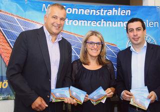 Bild: LAbg. Bgm. Helmut Schagerl, NAbg. Ulrike Königsberger-Ludwig, LAbg. Dr. Günther Sidl