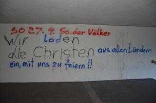 """Mit einer """"Einladung im christlichen Sinne"""" reagierte die Pfarre auf die Hass-Botschaft."""