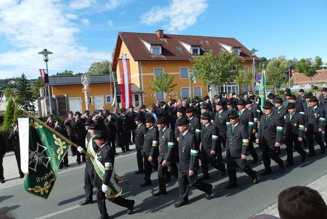 Bitte Manahmen beachten: Corona-Party in Heiligenkreuz