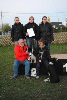 Das Team der Chaoten: Iris Bozek, Claudia Schwing, Jennifer Achleitner, unten: Albin Merzdovnik und Eva Janetschek.