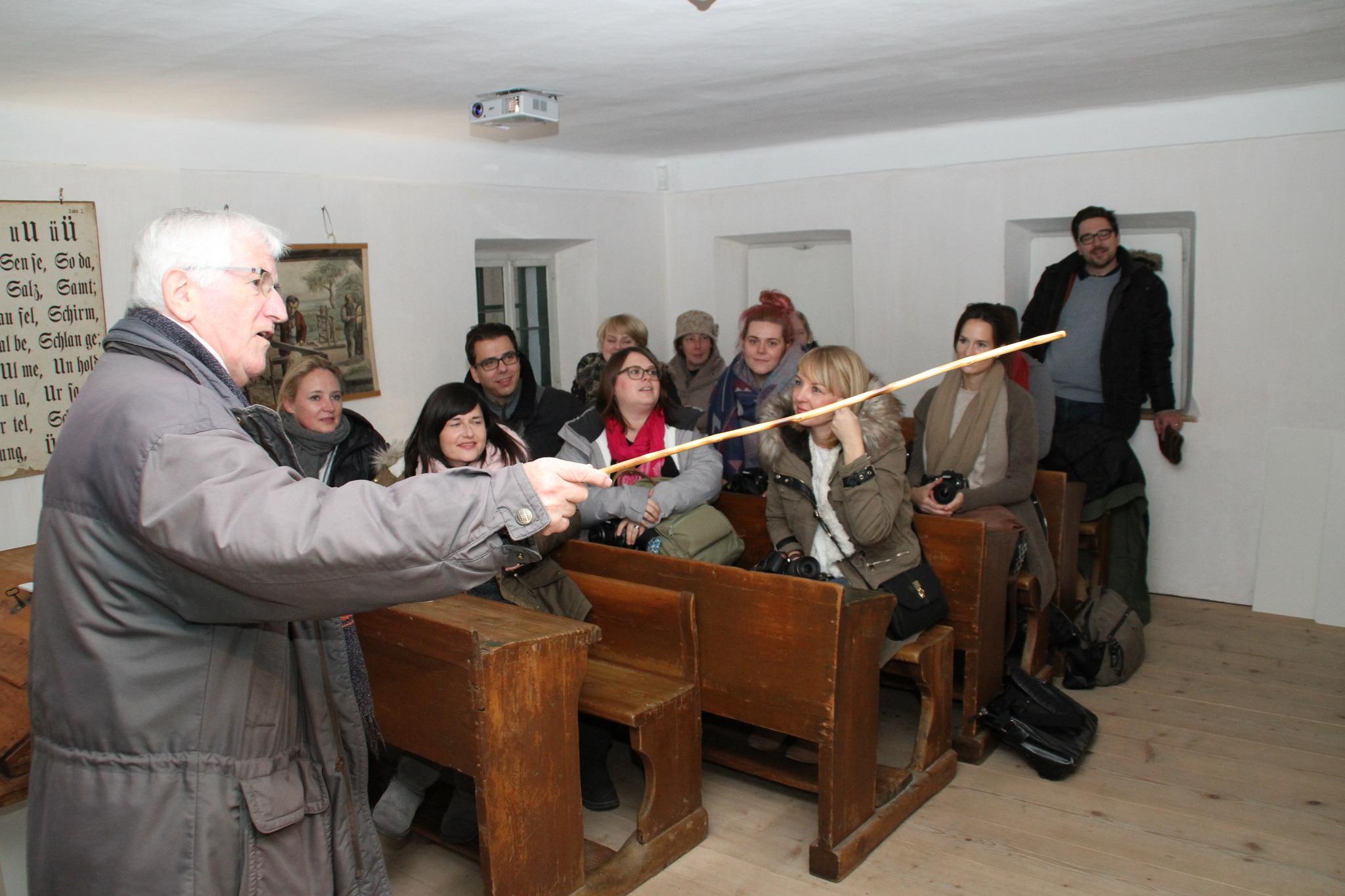 Sonderausstellung eröffnet: Fatschenkindl im Museum Arnsdorf - Flachgau