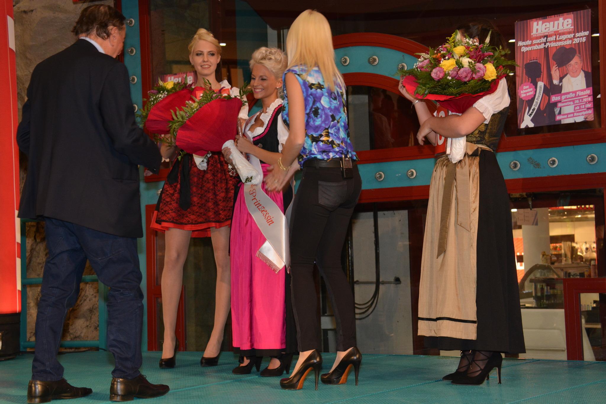 Rudolfsheim Fünfhaus 2016 Lugners Opernball Prinzessin 8nPy0NwOvm